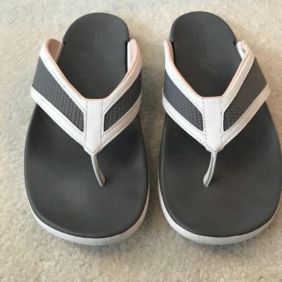 le adidas donne infradito poshmark